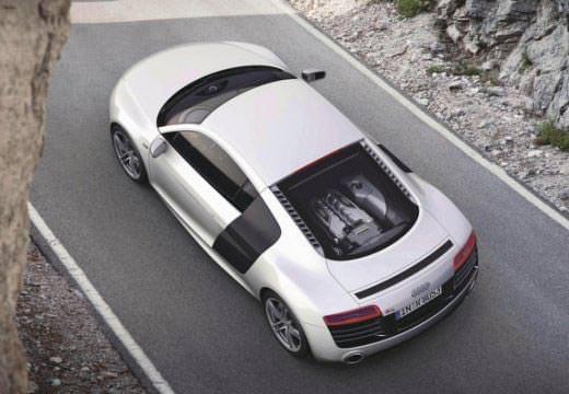 Audi R8 argintiu