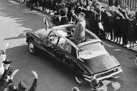 Charles de Gaulle în Citroën DS