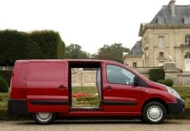 Citroën Jumpy privit din lateral