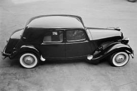 Citroën Avant Traction privit de sus