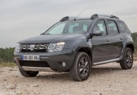 Dacia Duster privită din faţă