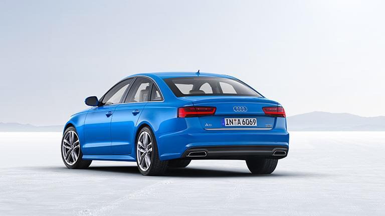 Audi A6 vedere din spate