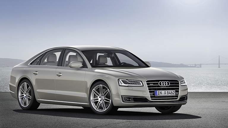 Audi A8 vedere din fata