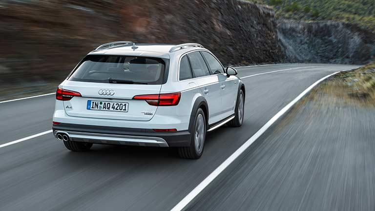 Audi Allroad Quattro vedere din spate