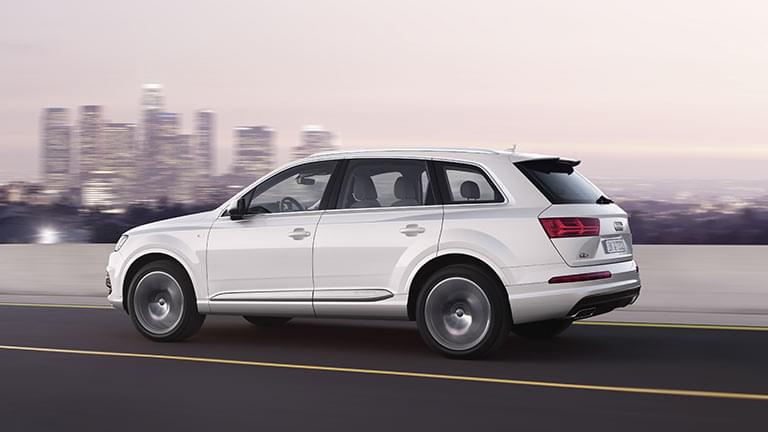 Audi Q7 privit din lateral