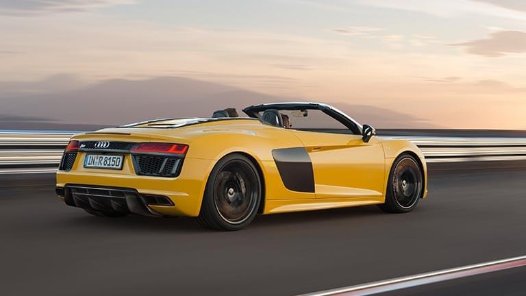 Audi R8 privit din lateral