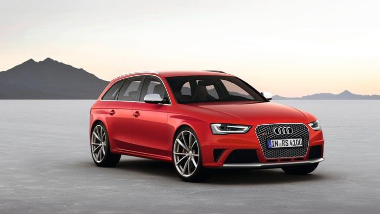 Audi RS4 Avant vedere din lateral