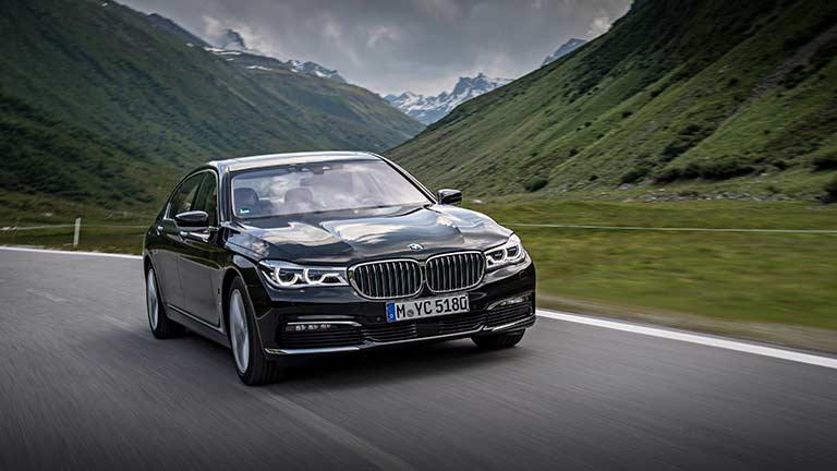 BMW Seria 7 vedere din fata