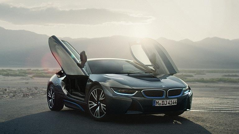 BMW i8 privit din lateral