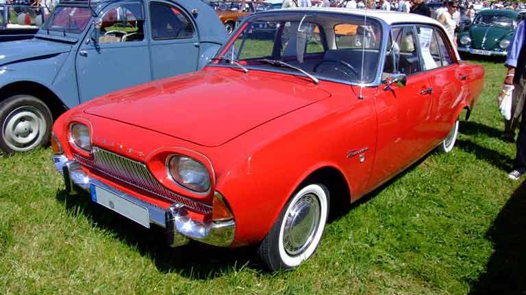 Ford Taunus rosu