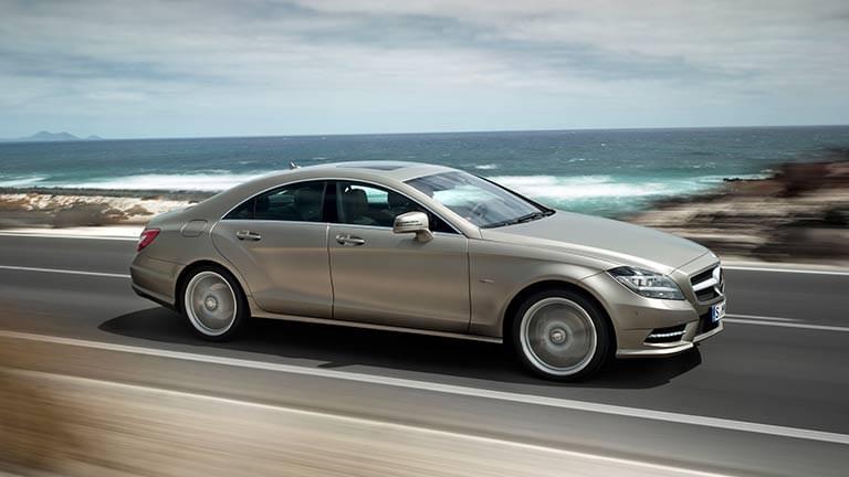 Mercedes CLS privit din lateral