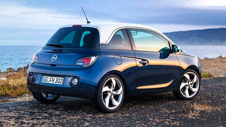 Opel Adam vedere din spate