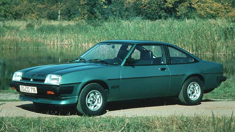 Opel Manta vedere din lateral