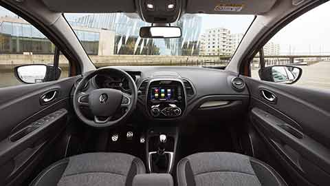 Renault Captur cockpit