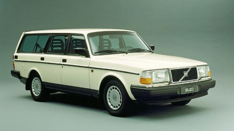 Volvo 240 exterior
