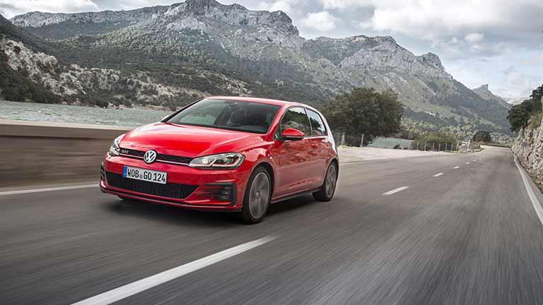 vedere din fata Volkswagen Golf