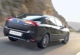 Renault Laguna privit din spate