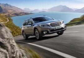 Subaru Outback pe stradă